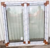 Okno PCV 1470 x 1460 mm złoty dąb dwustronny